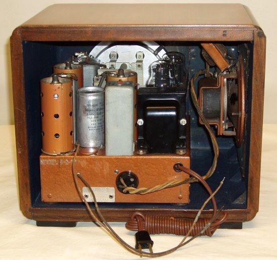 Radiolaguy Com   Zenith Radio Model 5