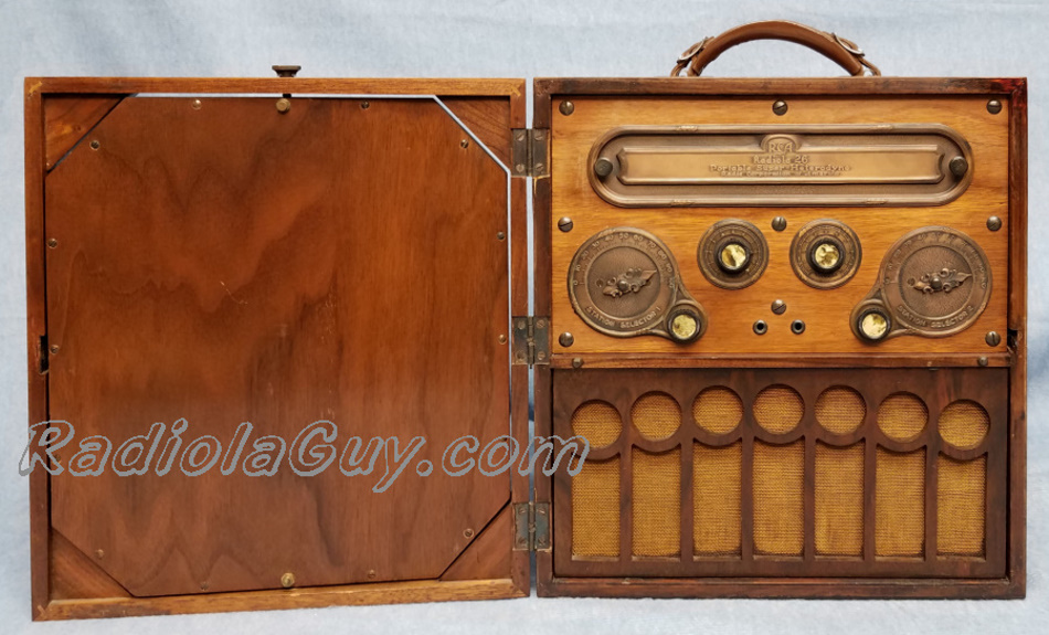 Phonographs further Shop besides Radiola 26 as well Antique Radio Cabi  For Sale additionally Radiola 2028. on antique rca radios for sale