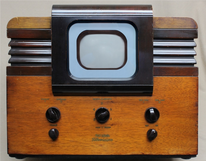 Tube 5u4g further POSTES RADIO TSF ARIANE ARESO ARCORP BRU  2088623 likewise 789093 additionally First big ticket item vintage rca victor record likewise Cht965. on rca tube radio